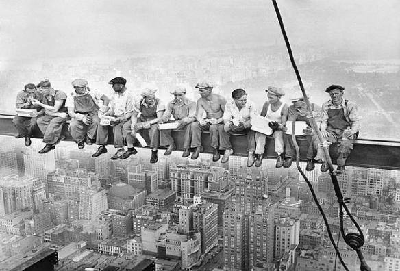 CHARLES EBBET NAMED AS PHOTOGRAPHER OF FAMOUS 1932 PHOTOGRAPH OF WORKERS EATING LUNCHE DURING RCA BUILDING CONSTRUCTION